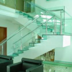 Escada em Vidro Temperclub Vidraçaria